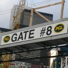 Construction gate sign